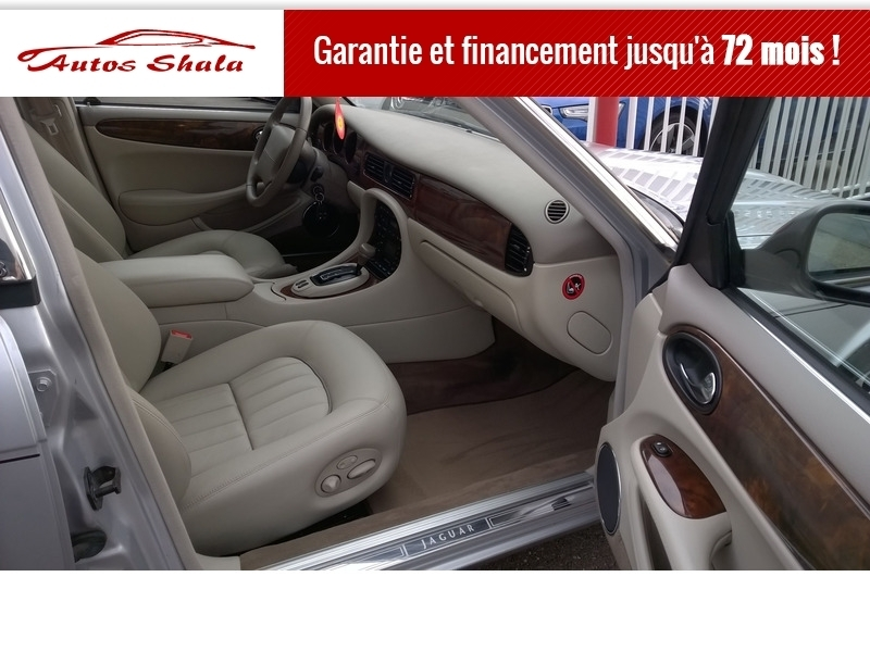 Photo 2 de l'offre de JAGUAR XJ8 4.0 V8  BA SOVEREIGN à 24970€ chez Autos Shala