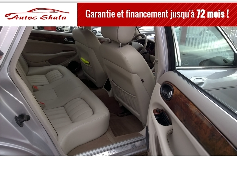 Photo 3 de l'offre de JAGUAR XJ8 4.0 V8  BA SOVEREIGN à 24970€ chez Autos Shala