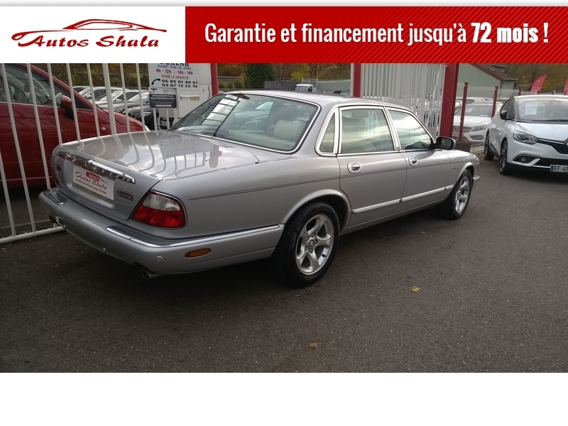 Photo 4 de l'offre de JAGUAR XJ8 4.0 V8  BA SOVEREIGN à 24970€ chez Autos Shala