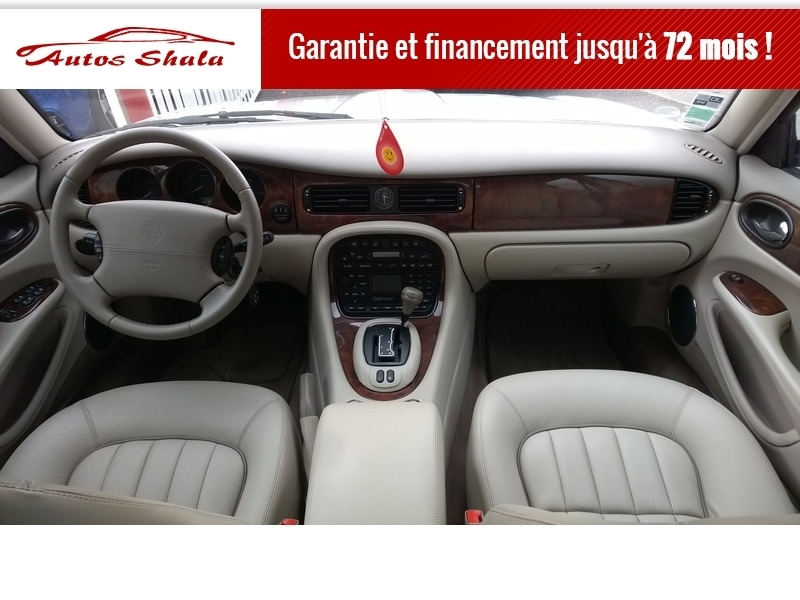 Photo 5 de l'offre de JAGUAR XJ8 4.0 V8  BA SOVEREIGN à 24970€ chez Autos Shala