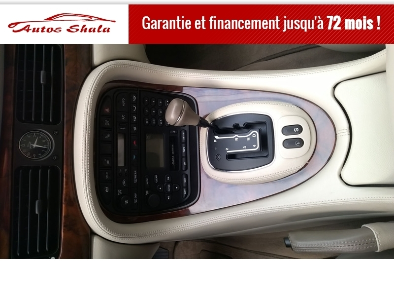 Photo 6 de l'offre de JAGUAR XJ8 4.0 V8  BA SOVEREIGN à 24970€ chez Autos Shala