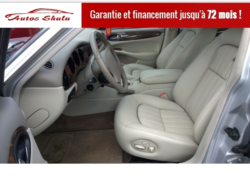 Photo 8 de l'offre de JAGUAR XJ8 4.0 V8  BA SOVEREIGN à 24970€ chez Autos Shala