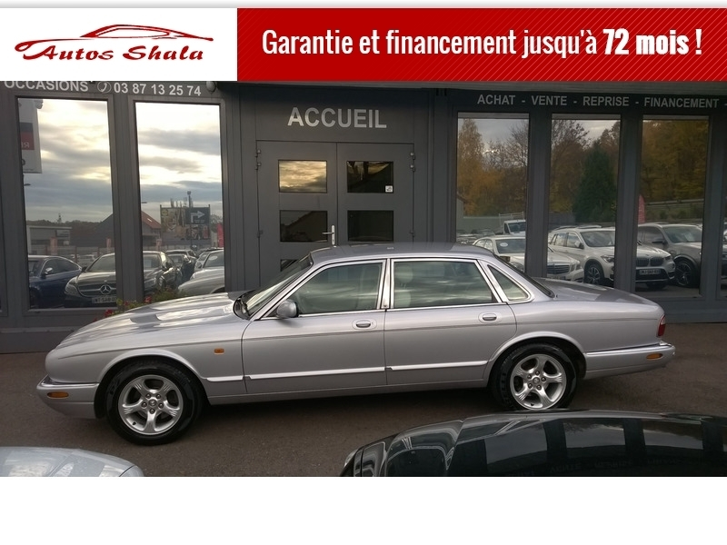 Photo 13 de l'offre de JAGUAR XJ8 4.0 V8  BA SOVEREIGN à 24970€ chez Autos Shala