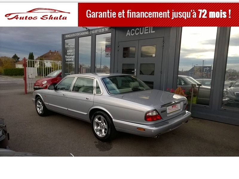 Photo 14 de l'offre de JAGUAR XJ8 4.0 V8  BA SOVEREIGN à 24970€ chez Autos Shala